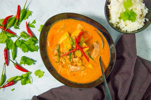 Massaman curry met kip en ananas
